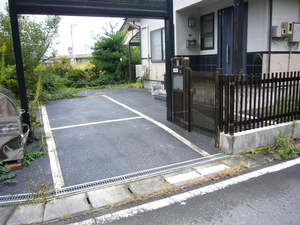 天童市住宅前駐車場