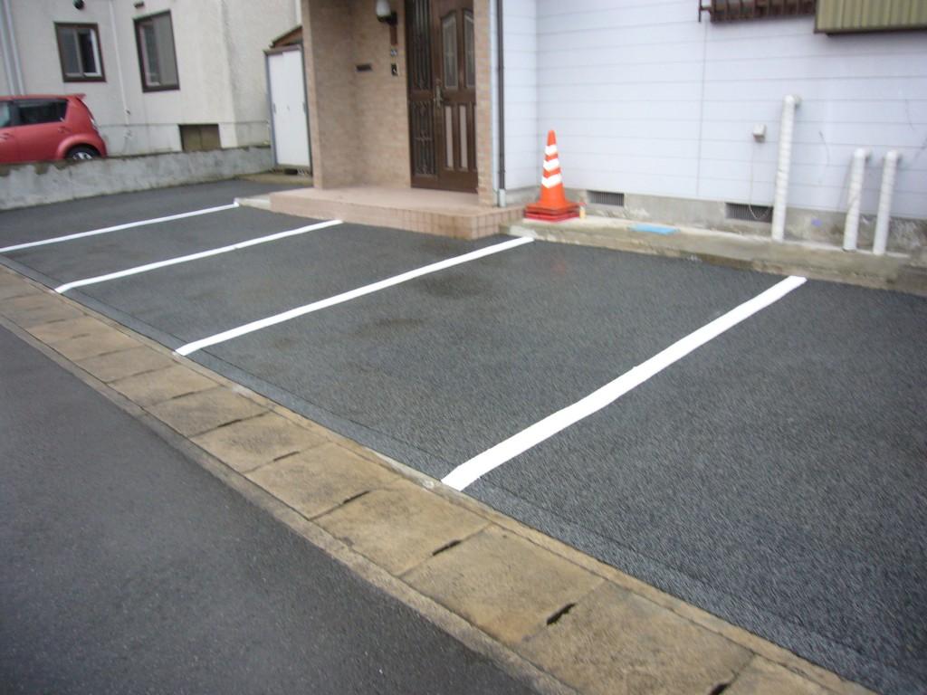 山形市住宅前駐車場