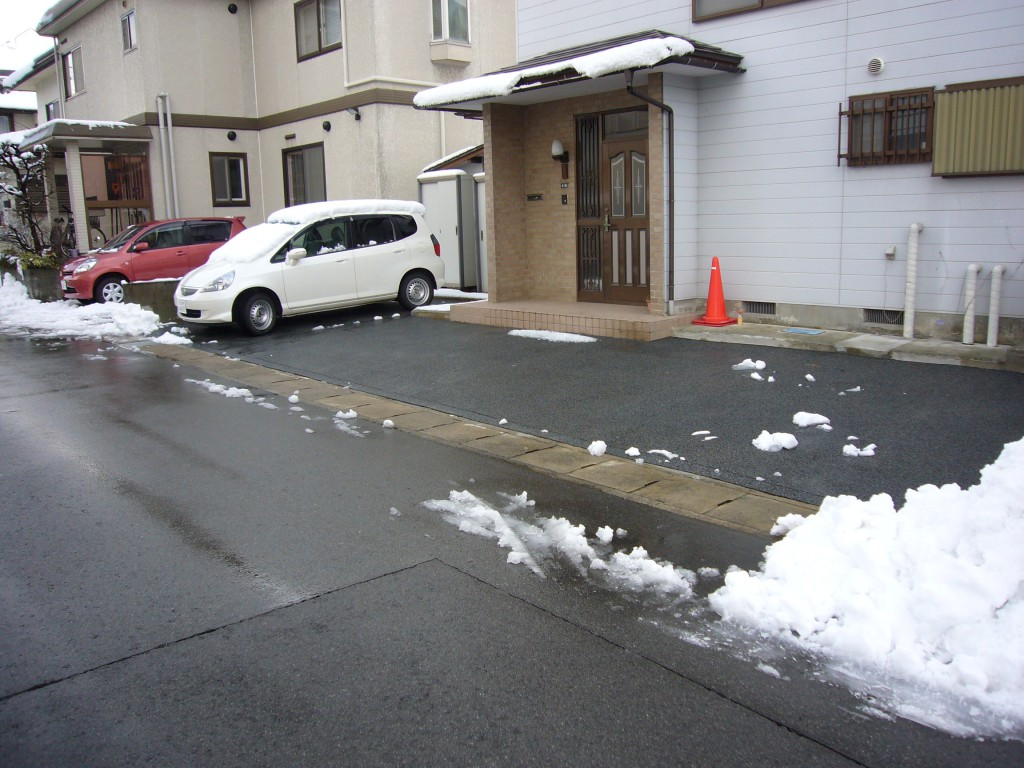山形市住宅駐車場