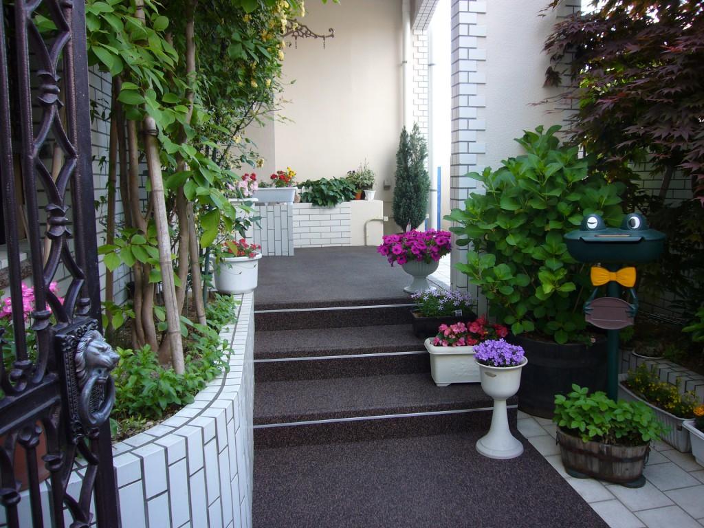 山形市住宅アプローチ&階段2