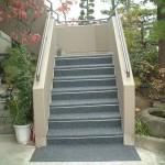 山形市住宅外階段