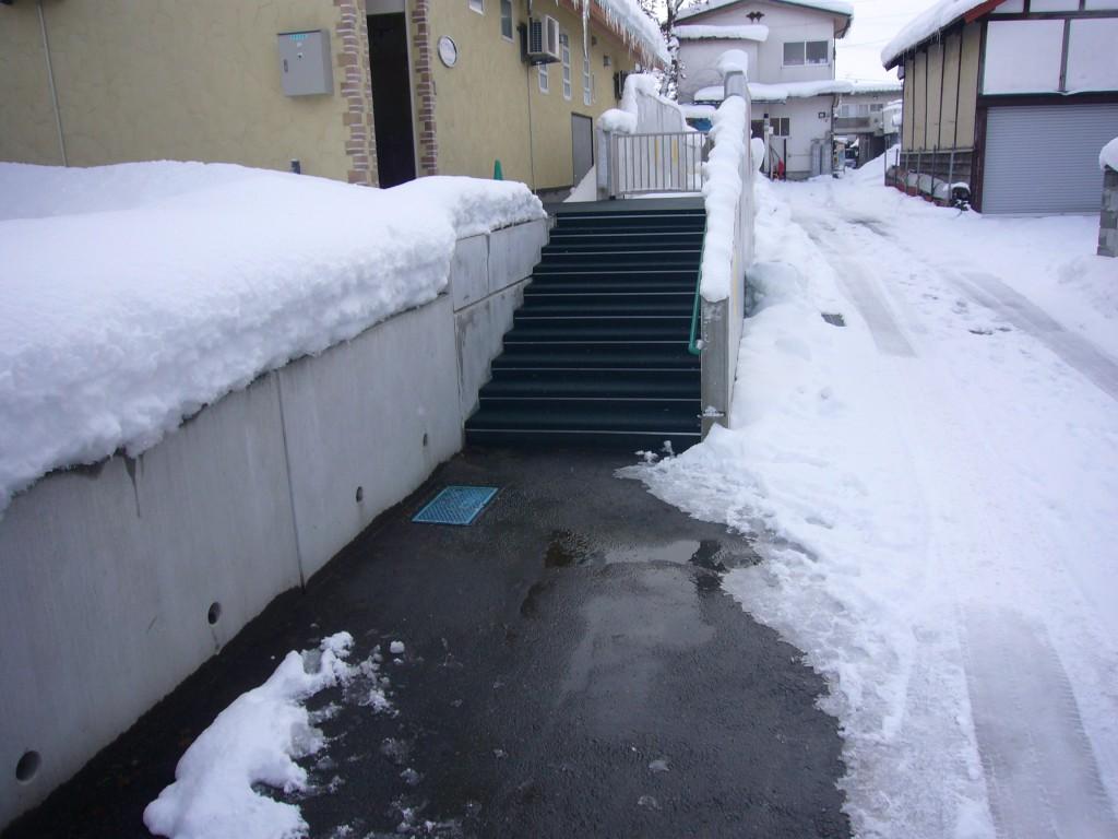 村山市保育園階段