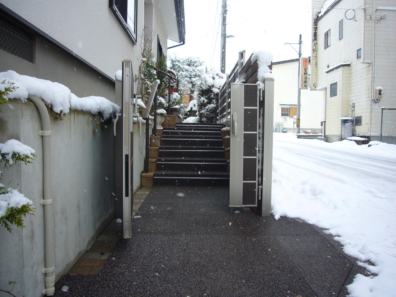 山形市住宅階段通路融雪状況2013.12.28