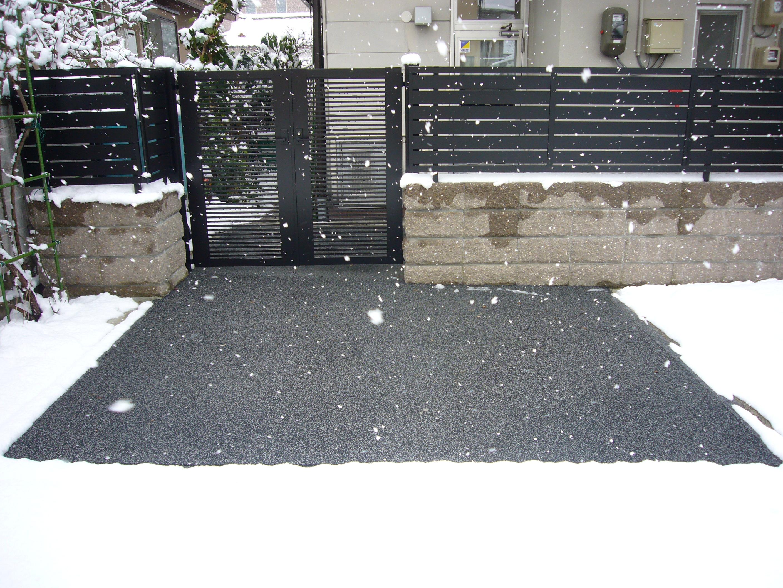 山形市玄関前駐車場融雪状況