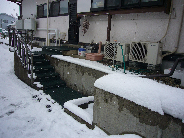 天童市住宅・勝手口融雪状況2013.12.28