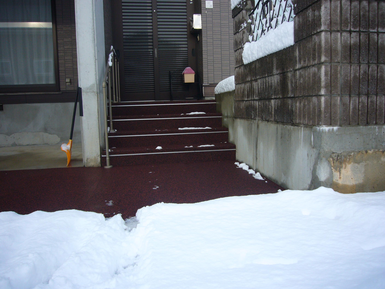 山形市内の大雪でも積もらせないで融雪になるので安心